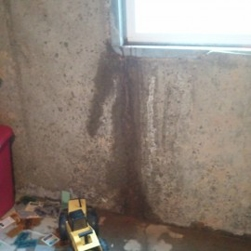 Leaking foundation in need of crack repair service